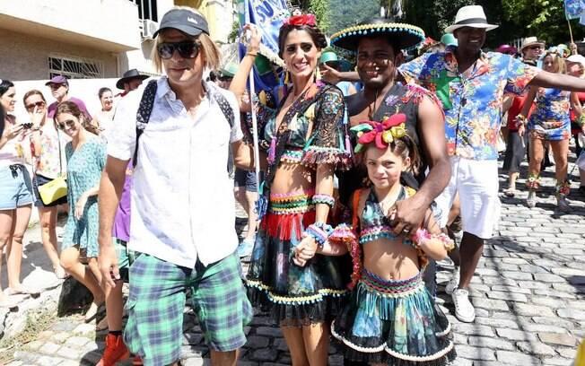 Eduardo Moscovis com Cynthia Howlett e Manoela