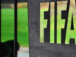 Operação surpresa na Suíça prendeu executivos da Fifa às vésperas da eleição