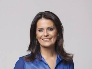 Mineira Adriana Araújo é âncora no Jornal da Record