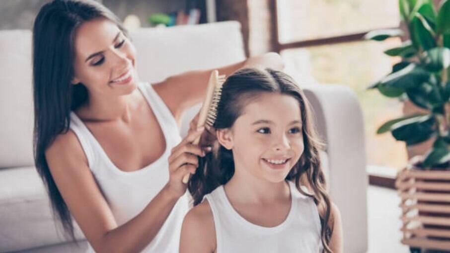 Na infância, os cabelos não possuem oleosidade e são mais brilhantes e saudáveis