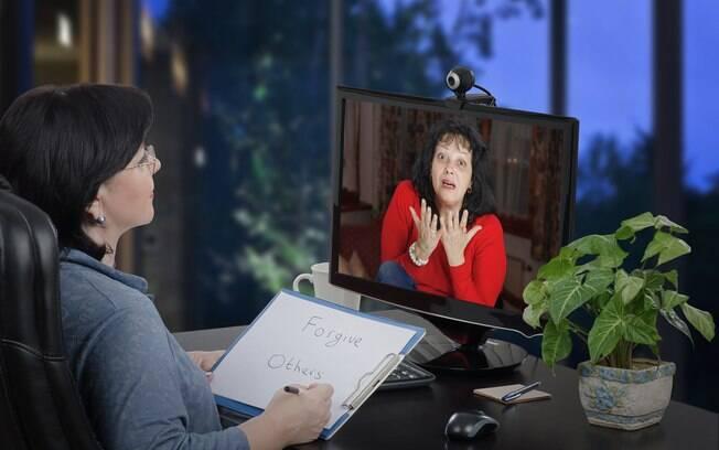A terapia online pode facilitar a vida do paciente, mas não é a solução definitiva para seus problemas