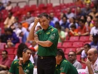 Rubén Magnano tenta dar uma nova cara ao basquete brasileiro, modalidade que vem registrando um preocupante retrocesso no país