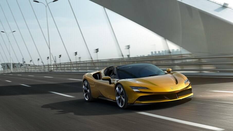 Ferrari atualmente conta com dois modelos híbridos em sua linha: SF90 Stradale e Spider