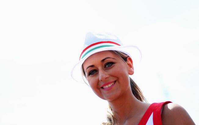 Beleza feminina marca presença no GP da  Hungria