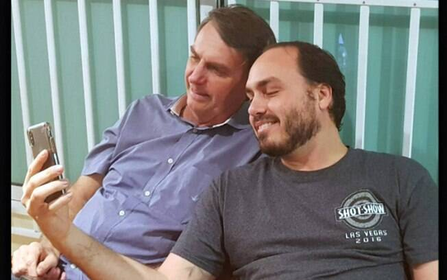 Carlos e Bolsonaro
