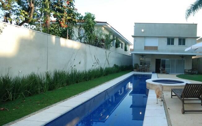 Como ter uma piscina em casa arquitetura ig for Modelos piscinas pequenas para casas