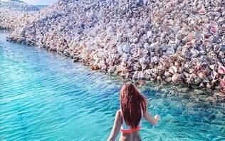 """""""Instagramável"""", ilha artificial feita de conchas faz sucesso entre turistas"""