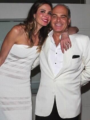 Marcelo de Carvalho ao lado da mulher Luciana Gimenez