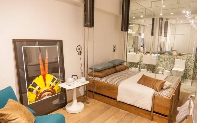 Caroline Elkis assina o menor ambiente da Casa Cor: o Mini Studio, que tem apenas 21 m². Composto por living, jantar, quarto e banheiro