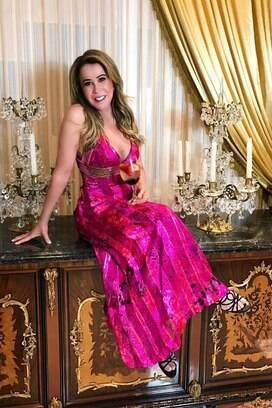 Zilu Camargo é uma das famosas que já aderiram ao outubro rosa em 2018. Foto: Reprodução/Instagram