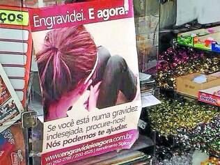 Propaganda de aborto?   Cartaz em padaria localizada na cidade de Contagem levantou suspeitas