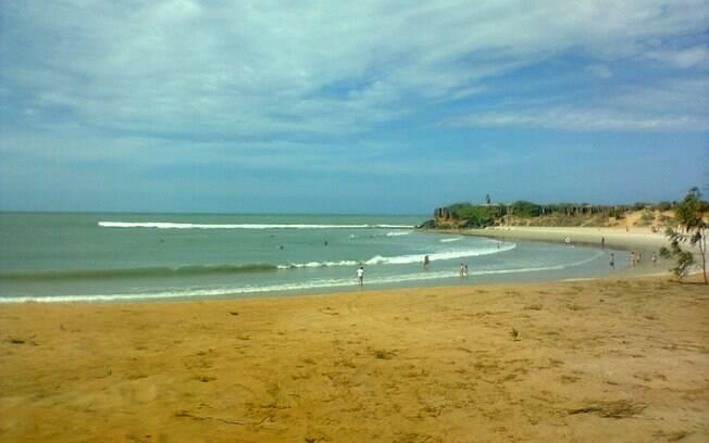 São Miguel não tem um mar tão claro como outras praias do Nordeste, mas conta com boa faixa de areia e águas mornas
