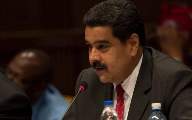Nicolas Maduro, presidente da Venezuela, classifica o plebiscito como um ato ilegal