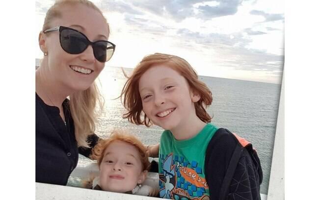 Jack, de 12 anos, e Ayla, de 8 anos, são filhos de Kelly McCarron. A mulher tenta emagrecer desde janeiro