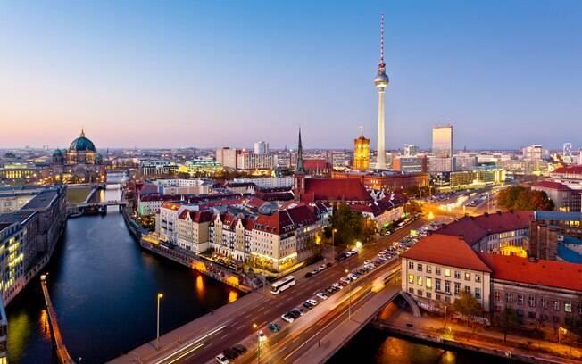 Cheia de belas paisagens, castelos e museus, a Alemanha é uma opção na lista de países do mundo para visitar sem visto