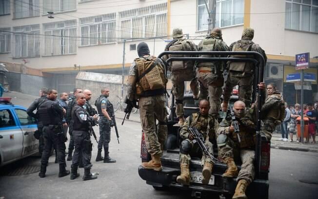 Operação policial após ataques a Unidade de Polícia Pacificadora (UPP) teve a participação de  120 policiais