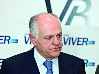 Negativa. O PSDB descarta qualquer possibilidade de saída de Pimenta da Veiga da chapa tucana