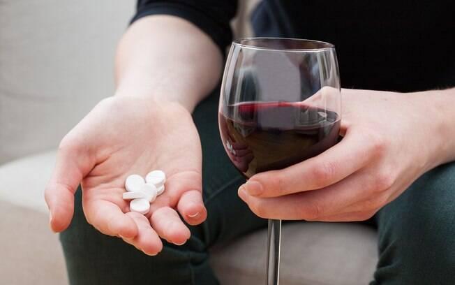 O consumo de álcool moderado e sistemático tem sido associado a uma redução da mortalidade de pacientes cardiopatas