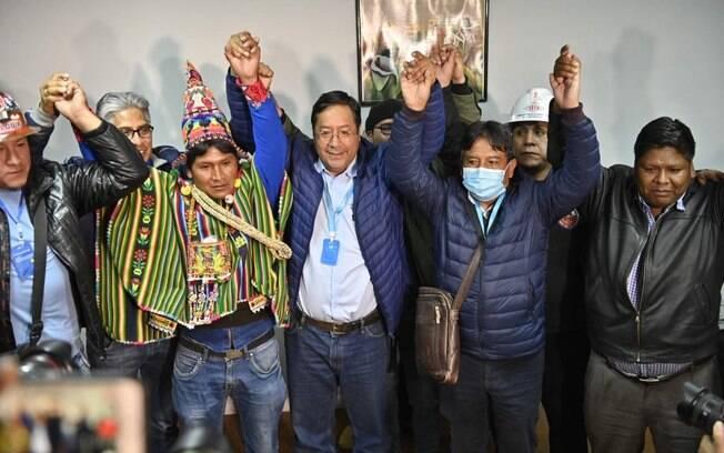 Candidato do ex-presidente Evo Morales, Luis Arce teve 52,4% dos votos no primeiro turno