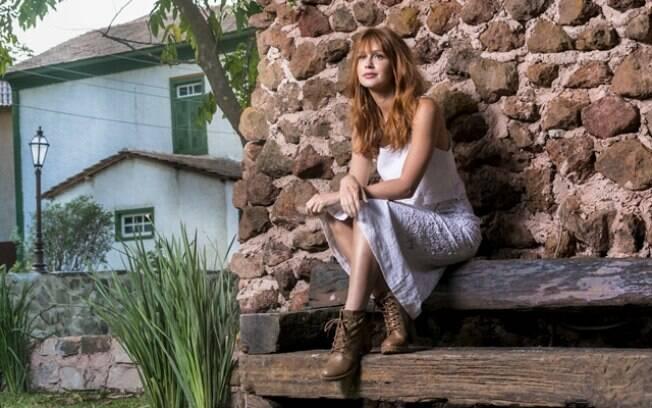 Marina Ruy Barbosa como Luz em