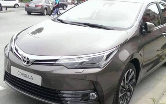 Toyota Corolla renovado é visto na Turquia