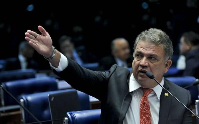 Em pronunciamento, senador Sérgio Petecão (PSD-AC). Foto: Geraldo Magela/Agência Senado - 11.05.2016