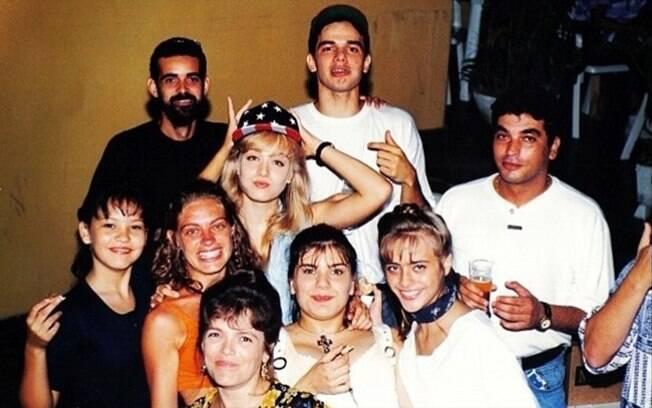 Angélica postou foto com sua antiga equipe. Aparecem Otaviano Costa, Giovanna Tominaga e Juliana Silveira