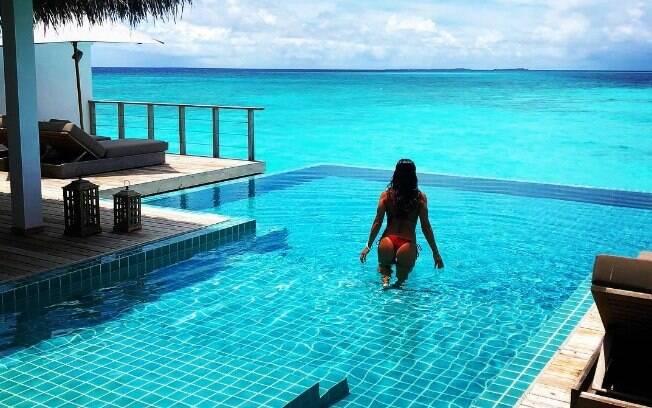 Juliana Paes arrasa em férias nas Ilhas Maldivas