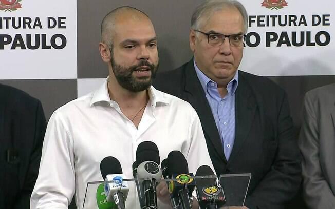 Devido às chuvas que atingiram a capital paulista entre ontem e hoje, o prefeito Bruno Covas cancelou sua licença