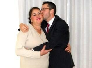 Mariza encheu a agenda de atividades variadas, como tear, crochê, natação, para lidar com a casa vazia depois da partida do filho, Renato