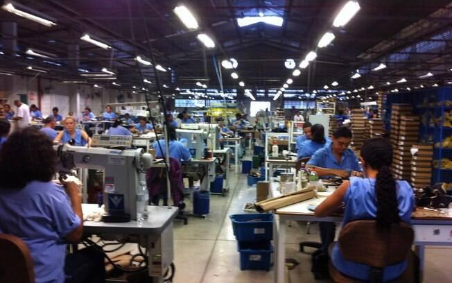 30d56b2b4c Por dentro de uma fábrica de sapatos - Moda No Mundo - iG