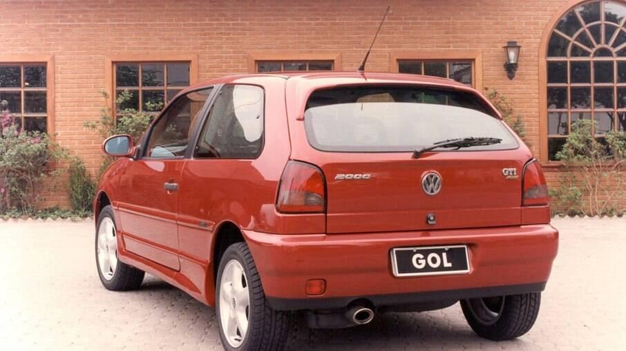 Em 1996, o GTi contava com motor 2.0 litros de 16 válvulas que acrescentava 145 cv de potência.