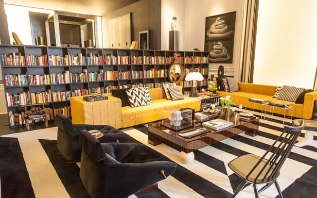 No ambiente de 400 m² o arquiteto paranaense Guilherme Torres quis criar uma atmosfera cosmopolita, lúdica e contemporânea