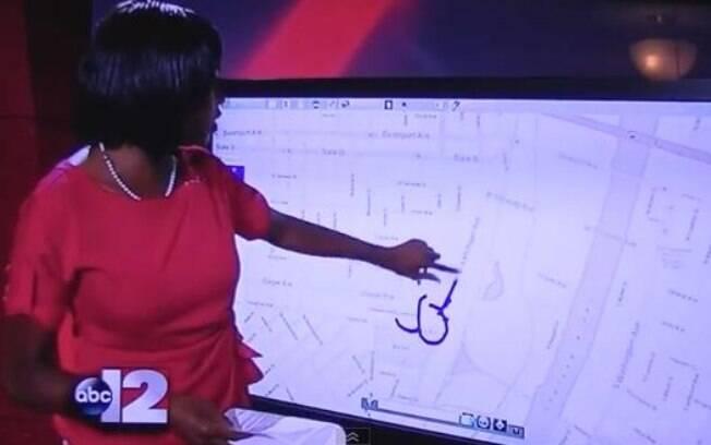 Durante transmissão de um telejornal nos EUA, a apresentadora Siobhan Riley desenhou um pênis tentando mostrar no mapa áreas afetadas por reformas nas ruas