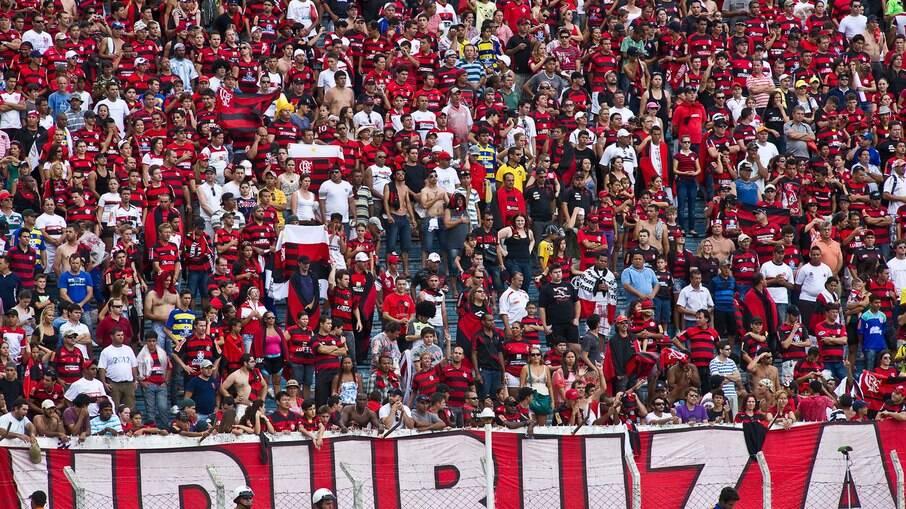Torcida do Flamengo é considerada uma das mais 'reclamonas', segundo pesquisa