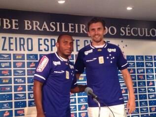 Volante Willians e zagueiro Paulo André falaram pela primeira vez com a imprensa como atletas do Cruzeiro