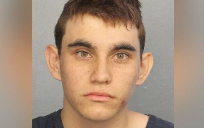 Nikolas Cruz se diz arrependido após matar 17 pessoas em um massacre em uma escola na Flórida, na última quarta