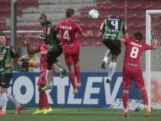 Esportes - Belo Horizonte - Minas Gerais Campeonato Brasileiro serie B  America MG x America RN valido pela 32 rodada   Foto: Uarlen Valerio / O tempo 24-10-2014