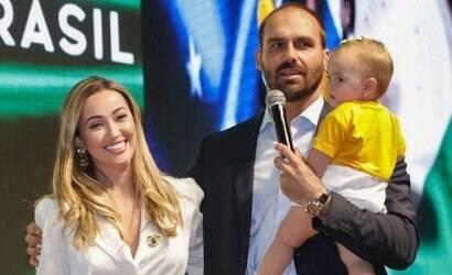 Esposa de Eduardo Bolsonaro diz que toma cloroquina