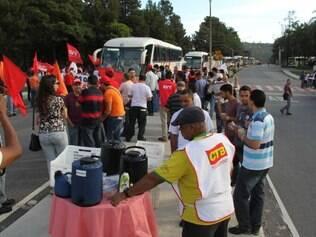 Funcionários da Regap não trabalharam na quarta-feira (15) por causa da manifestação