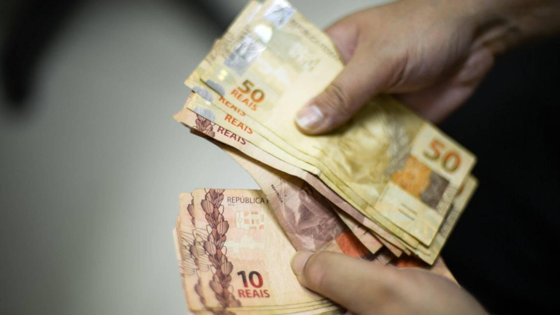 Conheça 5 maneiras de ganhar dinheiro sem sair de casa - Economia - iG