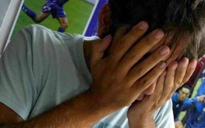 Criança que sofre de um quadro leve de doença mental foi vítima de abuso sexual por um grupo de 11 jovens, em Giugliano