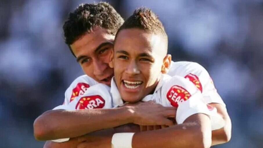 Neymar reencontrou Paulo Henrique Ganso