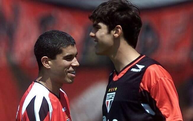 Ricardinho brilhou pelo Corinthians e depois  acertou polêmica transferência ao São Paulo