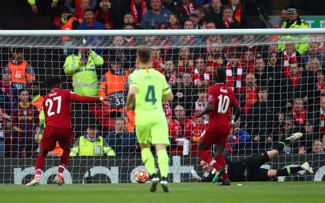 Origi fez dois gols no jogo entre Liverpool e Barcelona, que terminou com a classificação do time inglês para a final da Champions.