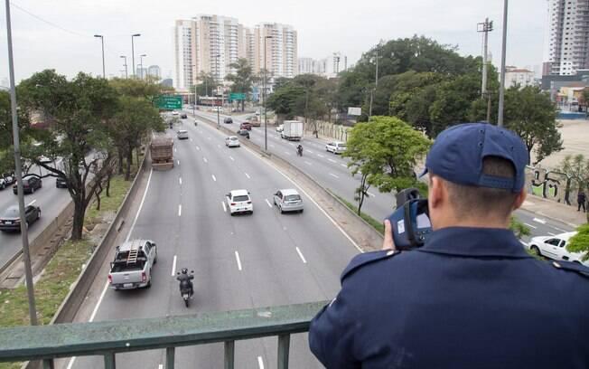 Se a nova medição gerasse multas, os motoristas paulistanos seriam autuados por conta do radar 39,7% a mais, por ano