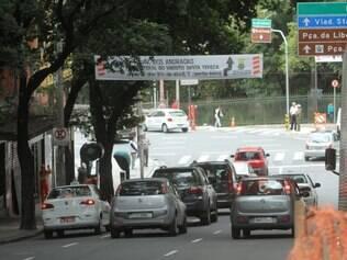 CIDADES BH MG : MUDAN'CA DA CIRCULACAO NO TRANSITO DO CENTRO DE BEH.   FOTOS: DENILTON DIAS / O TEMPO / 21.05.2015