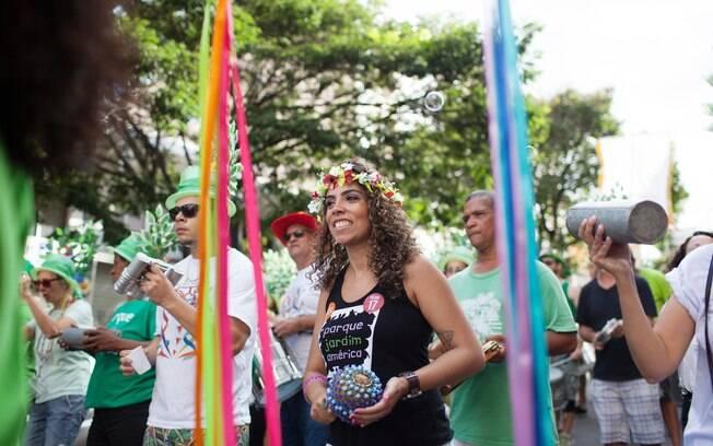 Em Belo Horizonte, há vários blocos de rua no carnaval, além disso acontecem desfiles e palcos para atrações especiais