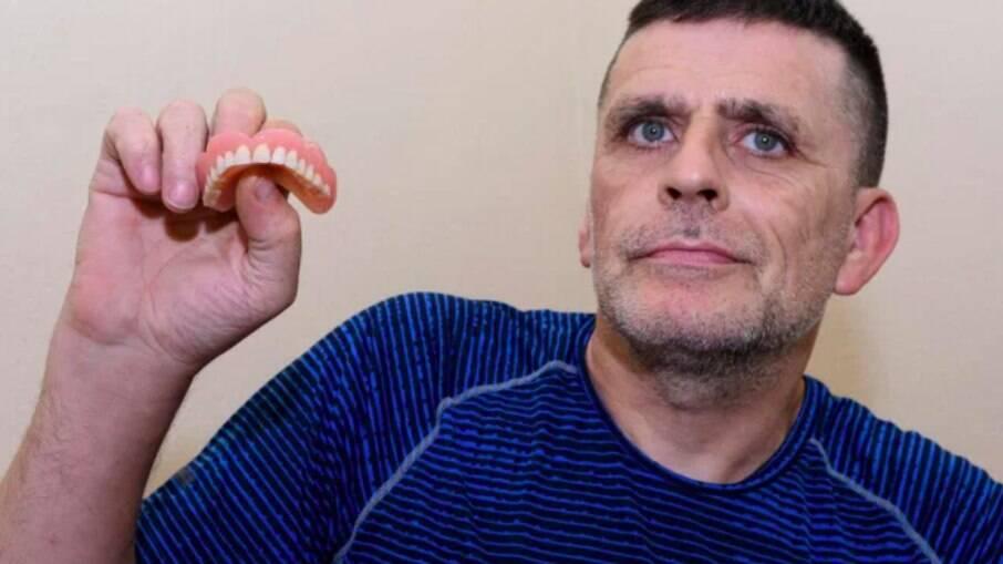 Matt Bonell não encontrava dentista no serviço de saúde