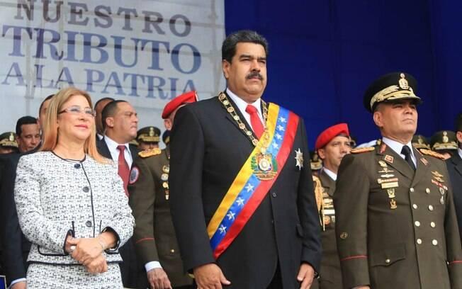Atentado contra Maduro teria também como alvo outras autoridades que estavam com o presidente, segundo o governo